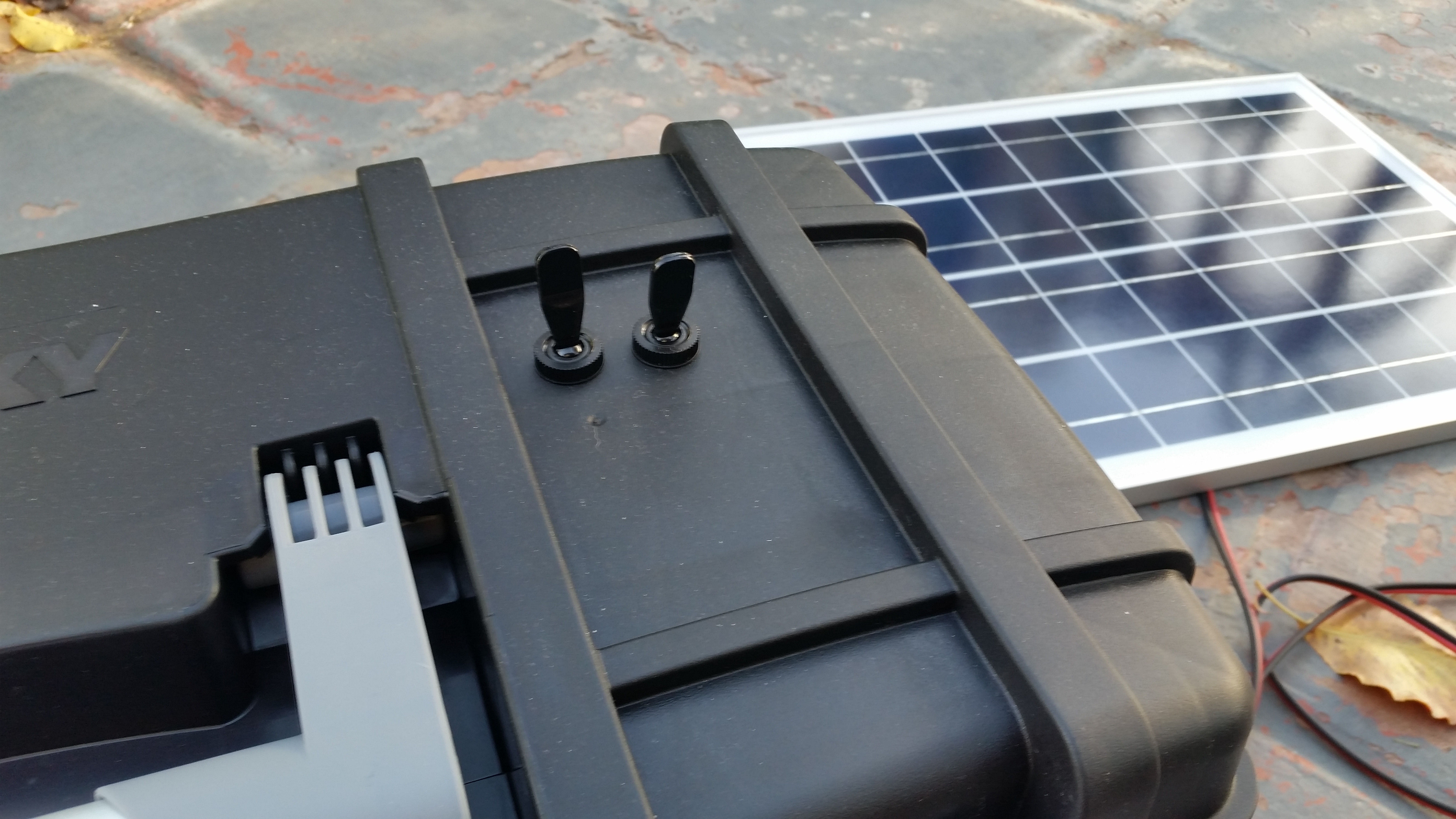 Diy Portable Solar Power Supply The Goby